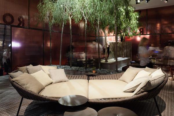 уютные современные диваны для двора