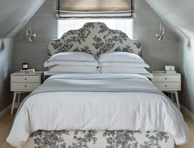 идея для маленькой спальни с окном
