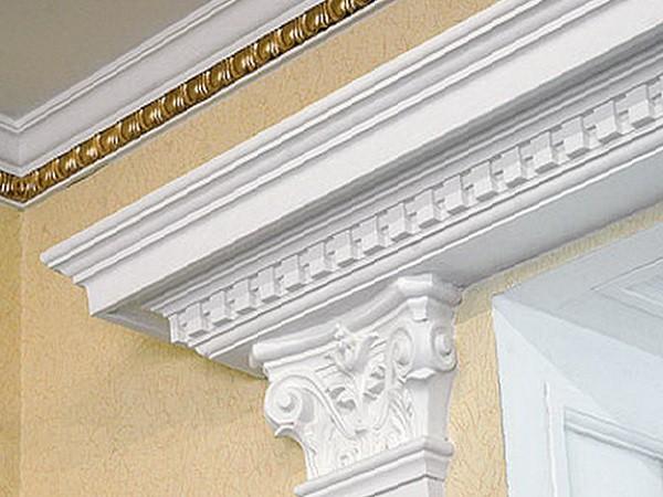 отделка потолочным плинтусом в стиле барокко