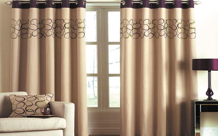 бежевые шторы в гостиную