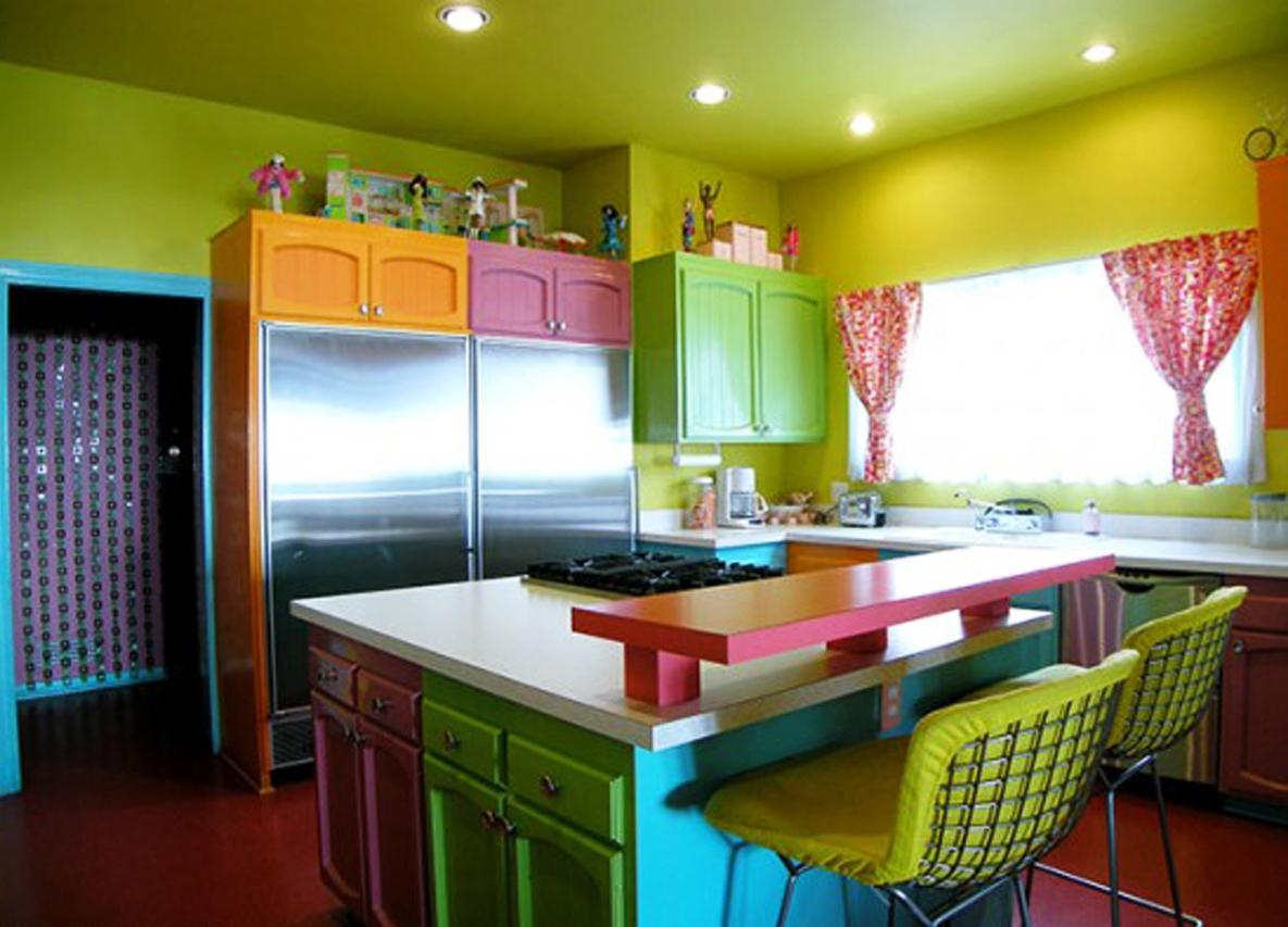 разноцветные красивые кухни