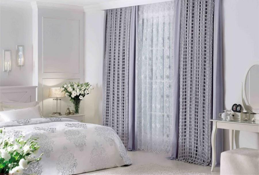 серые модные шторы