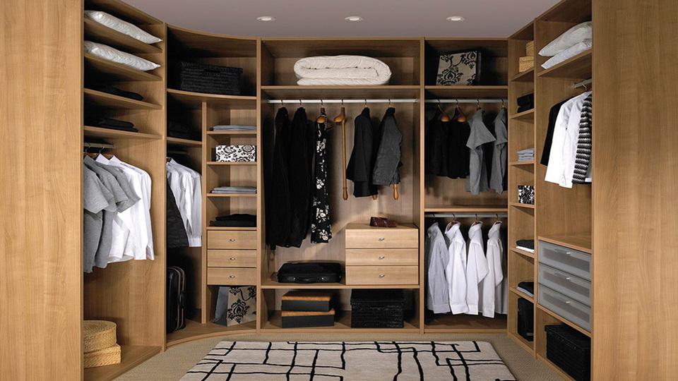 как спланировать гардеробную комнату