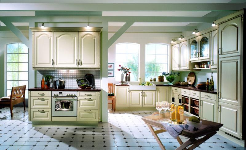 сложные цвета в интерьере кухни