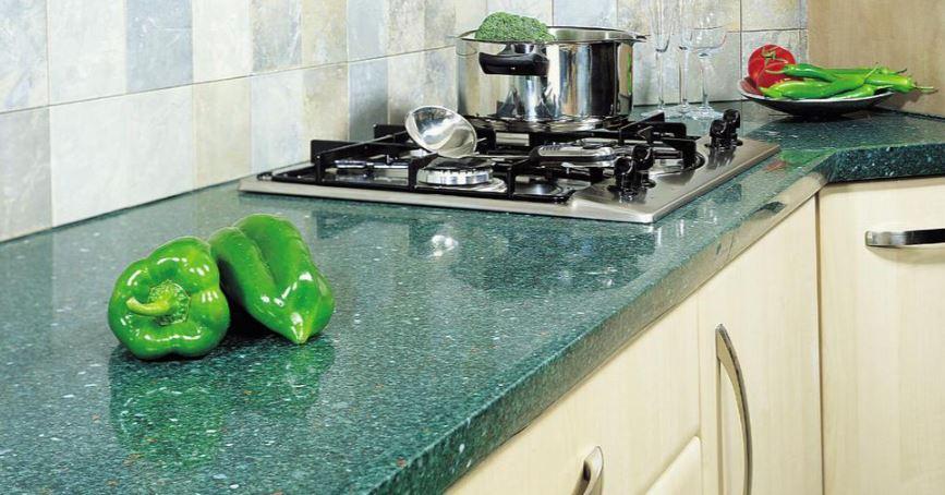 глянцевая кухонная столешница